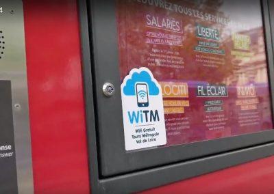 Des stickers WiTM ont été installés partout dans la métropole